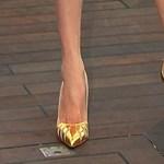 Így hordja a cipőt, ha nagy a lába - 7 tipp