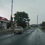 A nap videója: a dorogi trabantost nem zavarta a piros lámpa a zebránál