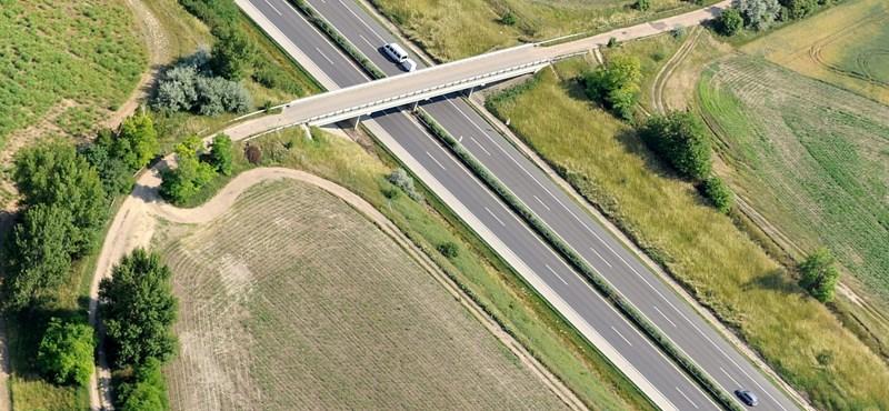 Az M1-es és az M3-as autópályán is újra lehet közlekedni