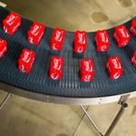Az amerikai elnök miatt drágul a Coca Cola