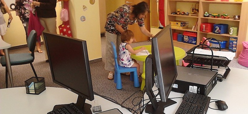 Esély a munkába készülő kisgyermekes szülőknek