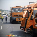 Fotók érkeztek az útfenntartók halálos balesetéről