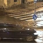Zebrán átkelő nénit gázolt el, majd megállás nélkül továbbhajtott – videó