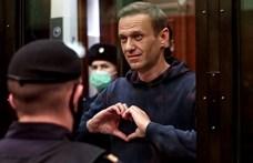 Nádas Péter is aláírta azt a Putyinnak szóló levelet, amelyben hírességek követelnek Navalnijnak orvosi kezelést