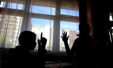 Jön az iskolaőrség: 12 évre csökkentik a büntethetőségi korhatárt
