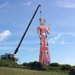 Ezt nem fogja elhinni: így üzentek valakik Doverből Európának