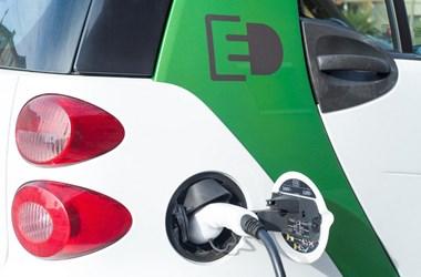 Mától lehet pályázni elektromos autókra