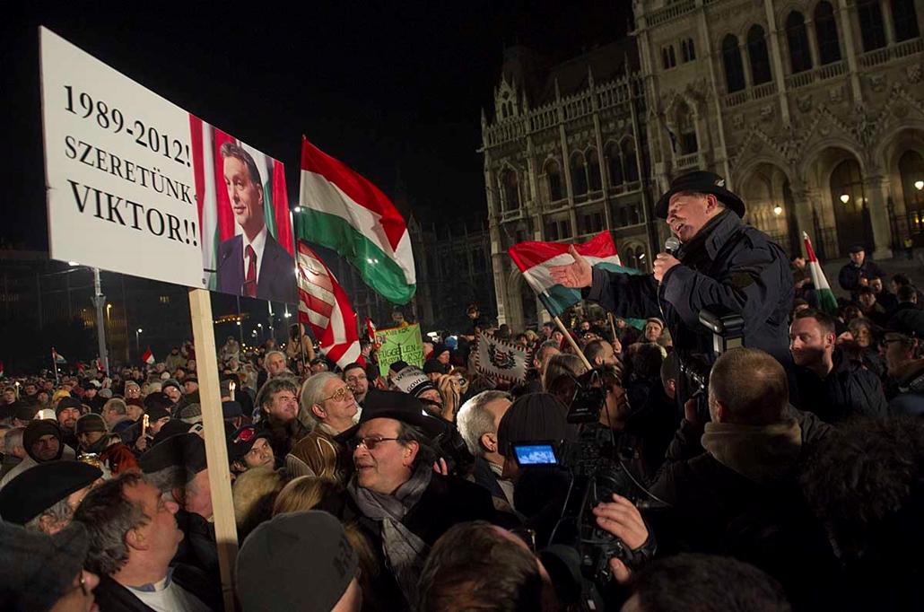 Bencsik András - Békemenet a kormány mellet