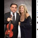 Mága Zoltán Barbara Barbra Streisanddal mosolyog – de kiderült, csak egy Photoshop-trükk