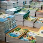 Örül a kormány: Már majdnem minden tankönyv elkészült