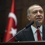 Három nap után Erdogan is gratulált Bidennek