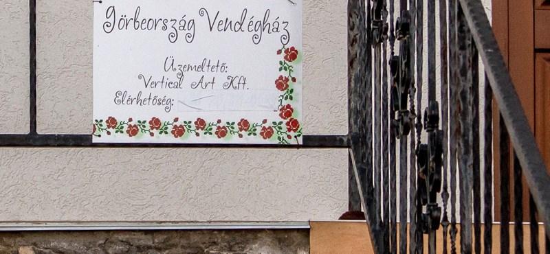 """""""Már hogyne lenne vendégház!"""" – tagadja a fideszes képviselő, hogy saját házát húzta fel az uniós milliókból"""