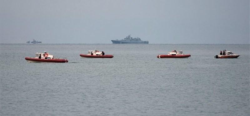 Megtalálták a tengerbe zuhant orosz gép roncsait