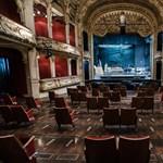 Még maszk sem kell majd a színházakba, a színészekről pedig megfeledkezett a rendelet
