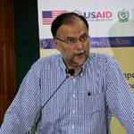 Vállon lőtték a pakisztáni belügyminisztert