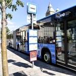 Közlekedő Tömeg: a zsúfoltság miatt lett rosszul egy utas a reptéri buszon