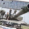 Spiegel –  A németeknek is kínos, hogy tankjukkal pózolt a Kárpátia