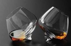 Tragédia Cognacban: leégett egy 2500 hektoliteres szeszraktár
