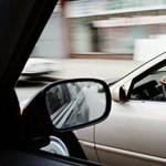 Újabb olvasói videó: életveszélyes előzést mutatott be a sofőr Balatonvilágos felé