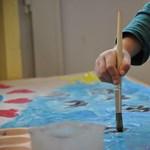 Átalakított szakképzések: eltűnhet az OKJ-s szakmák listájáról a nevelőszülői képzés?