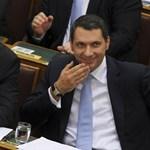 Orbán pénzeszsákján ül, és kormányfőként irányít Lázár