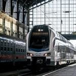 Újra forgalomba áll a KISS emeletes vonat