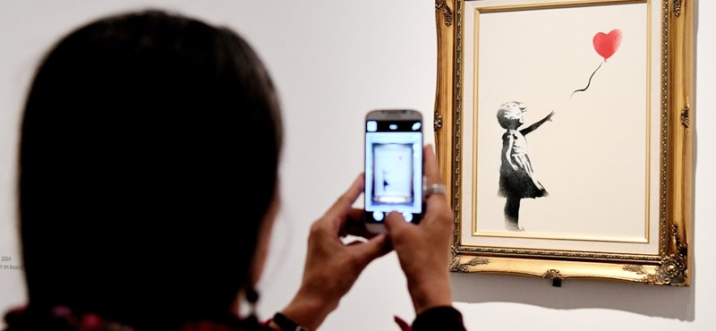 """He posted photos of Banksy from his former agent """"width ="""" 800 """"height ="""" 370"""