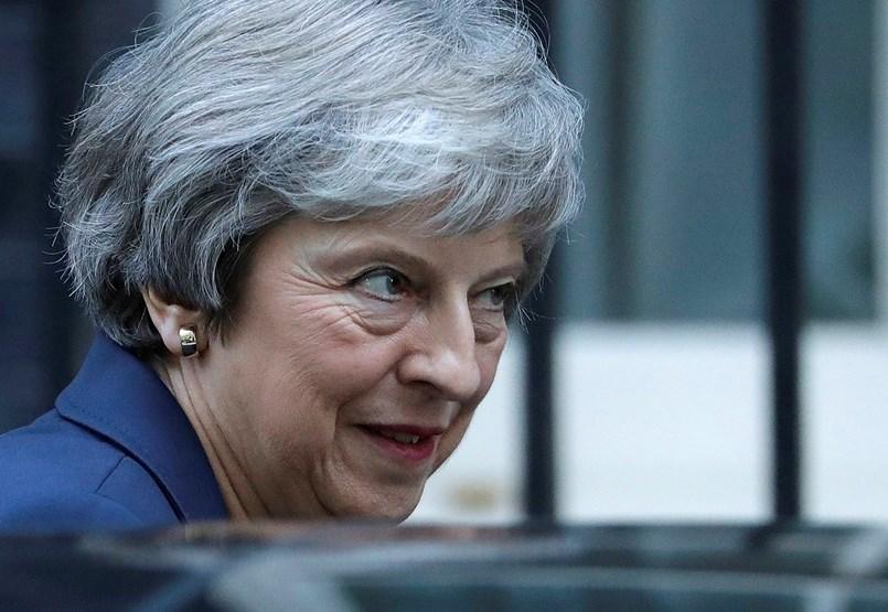 Csúcsformában a brit humor: mémek a Brexit végjátékában