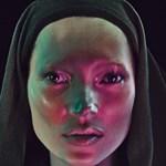 Fókuszpont: Új arcát mutatja Kate Moss a W Magazine fotóin