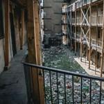 Megszavazták: kerítéssel zárhatják el a Hős utca házait