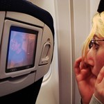 Egyszerű ötletek, amelyekkel sokkal kellemesebb a repülés (videók)
