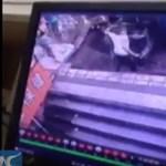 Félelmetes videón szakad be a járda a kínai járókelők alatt