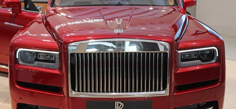 A 2019-es Év Autója: egy Dacia, de akár egy Rolls-Royce is nyerhet