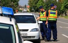 Különösen odafigyelnek a rendőrök a héten a vezetés közben mobilozókra