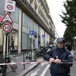 Üldözik az ismeretlen fegyverest Párizsban
