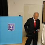 Elzáródott egy ér Simon Peresz szívében