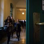 Új bértáblákat dolgozott ki az FDSZ: a professzorok, a fiatal tanárok és az oktatást segítők fizetését is emelnék