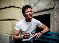 Stohl András újraéli a balesetét a színpadon: terápiaként fogja fel
