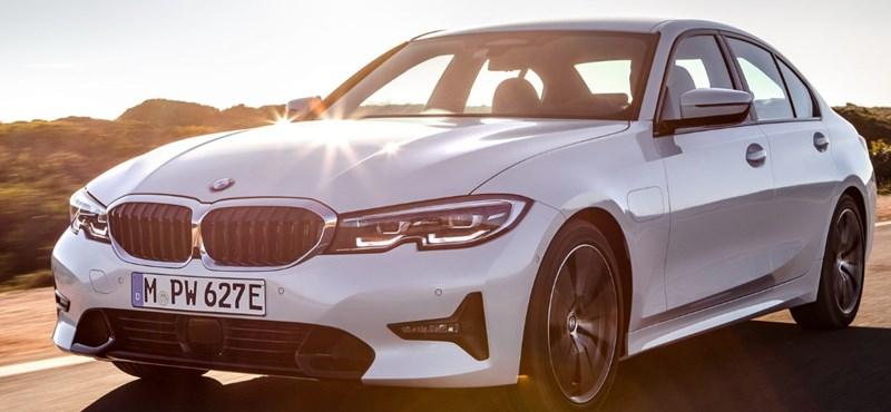 Újabb zöld rendszámos BMW: 13 millió forinttol indul itthon a hibrid 330e