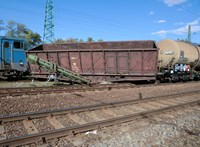 Kisiklott egy tehervonat Miskolcon, késések vannak – fotók