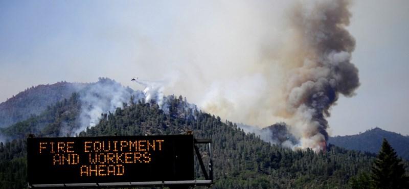 Un incendio masivo está causando estragos en los estados occidentales de los Estados Unidos