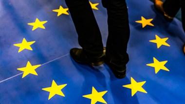 A költségvetésbe is beleírja a kormány, hogy az EU nem ad pénzt a járvány ellen