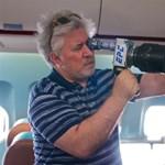 Ön hogyan viselkedne egy bajba jutott repülőgép fedélzetén?
