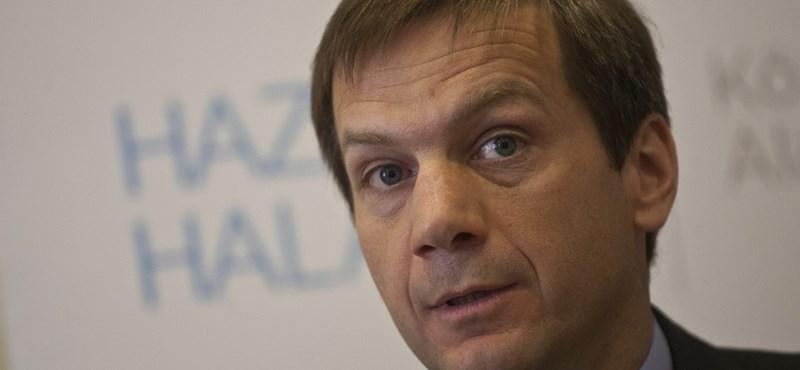 Bajnai: Magyarország cakkban van