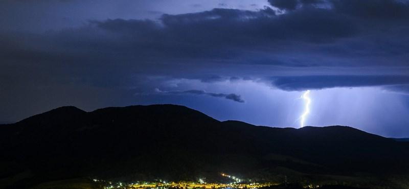 A fél országra kiadták a figyelmeztetést felhőszakadás miatt