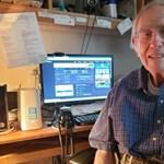 Egy 90 éves amerikai férfi 3 millió forintot költött, hogy újsághirdetésekben panaszkodjon a lassú internetre – de megérte