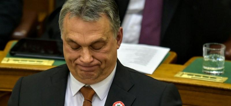 A Die Welt Orbánról, a Libération Bakondiról szedi le a keresztvizet
