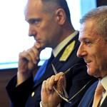 A honvédelmi miniszter szerint együttműködés kell a NATO-n belül