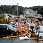 Képek a Japán cunami rombolásáról