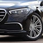 Kémfotókon a 700 lóerős új Mercedes S-osztály